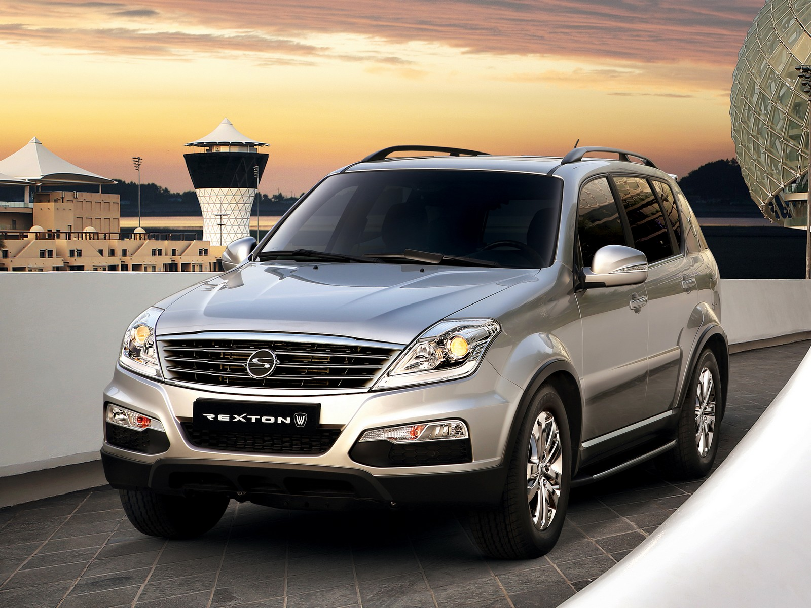 ssangyong-rexton-w-5-door-mid-size-offro